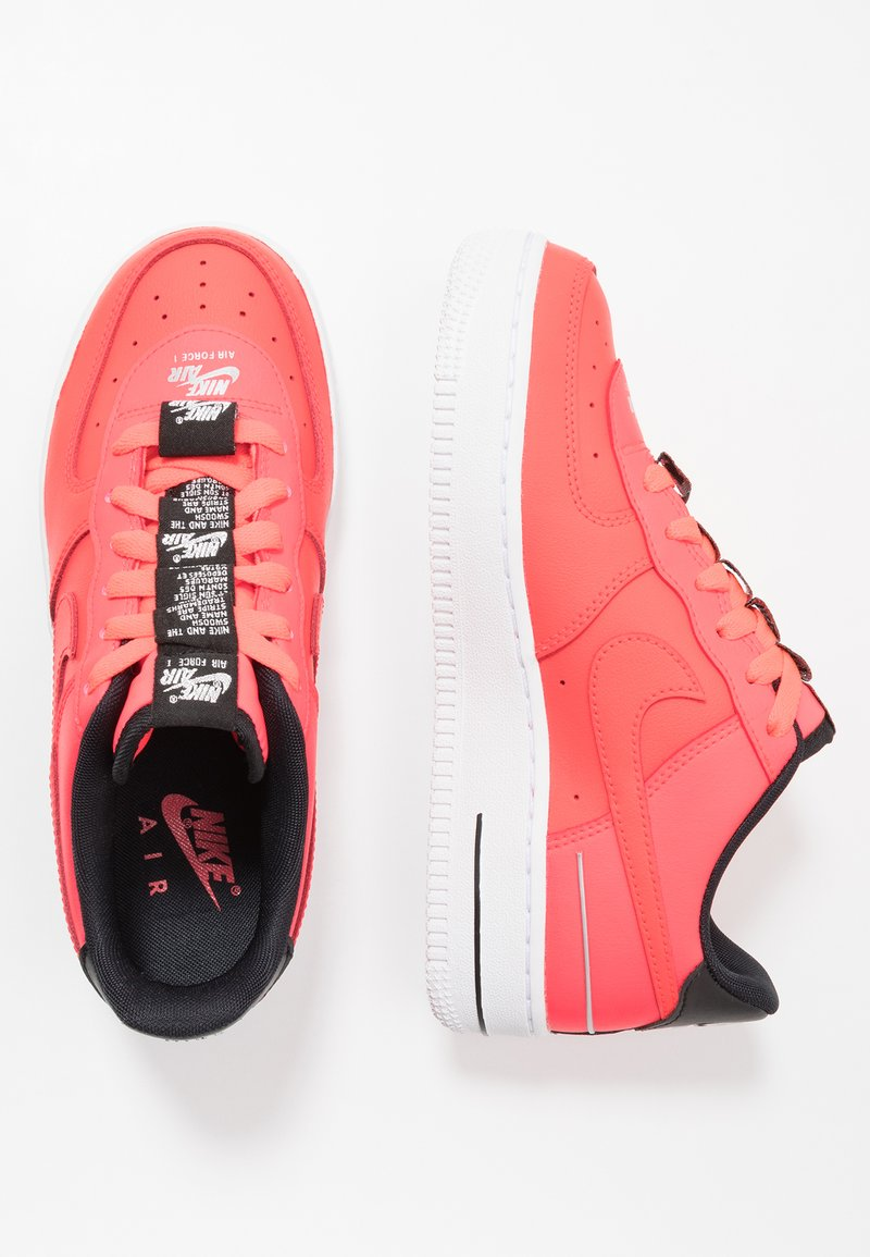 Nike Sportswear - AIR FORCE 1 LV8 3 - Trainers - laser crimson/black/white