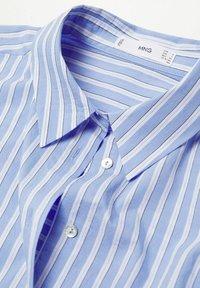 Mango - VERA-I - Button-down blouse - bleu - 6