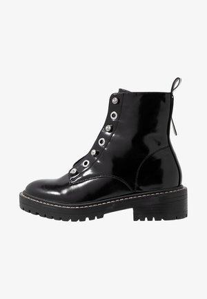 ONLBOLD LACE UP BOOTIE - Šněrovací kotníkové boty - black