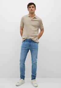 Mango - SKINNY  - Slim fit jeans - mittelblau - 1