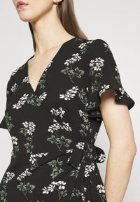 Vero Moda - VMSAGA WRAP FRILL DRESS  - Vestido informal - black - 5