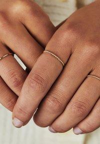 Isabel Bernard - 14 CARAT GOLD - Ringe - gold - 2
