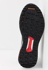 adidas Performance - TERREX FREE HIKER - Fjellsko - core black/grey six/active orange - 4