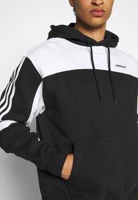 adidas Originals - CLASSICS HOODY - Hoodie - black/white - 3