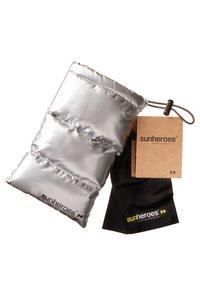 Sunheroes - SUNHEROES SPUTNIK - Aurinkolasit - black/gold - 3