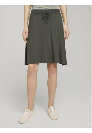 MIT TASCHEN - A-line skirt - grape leaf green