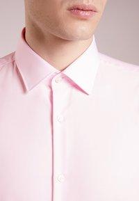 HUGO - JENNO SLIM FIT - Formal shirt - light/pastel pink - 5