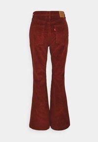 Levi's® - 70S HIGH FLARE - Vaqueros a campana - red - 6