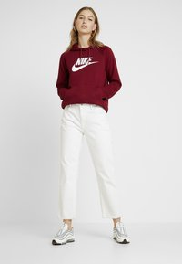 Nike Sportswear - HOODIE - Sweat à capuche - team red/white - 1