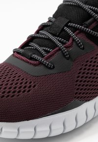 Skechers Sport - OVERHAUL - Baskets basses - burgundy/black - 5