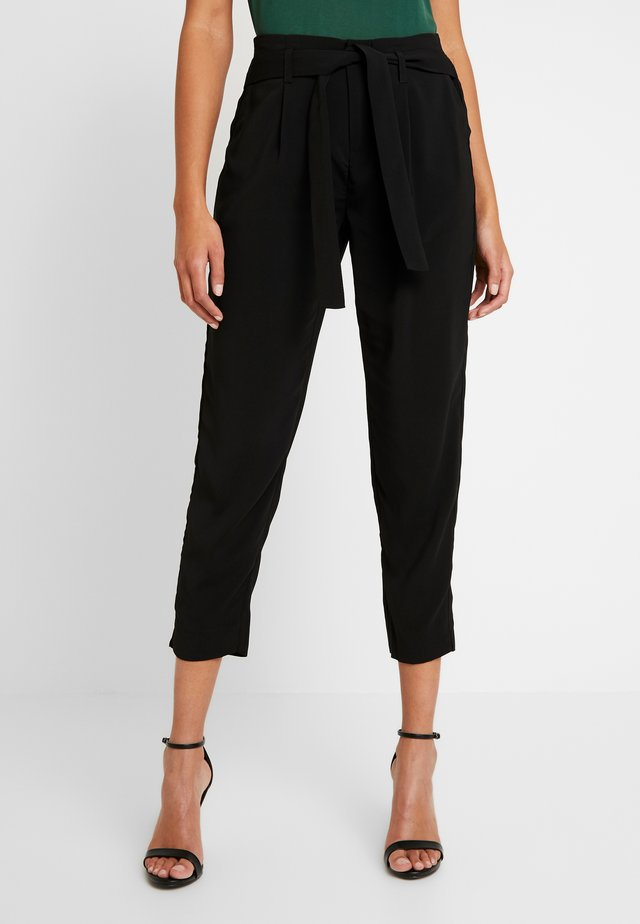 ANDREASZ PANTS - Trousers - black