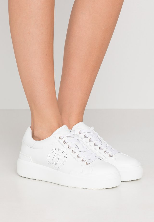 HOLLYWOOD - Sneakersy niskie - white