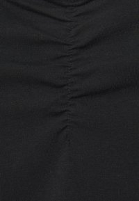 Even&Odd Curvy - T-shirt basic - black - 4