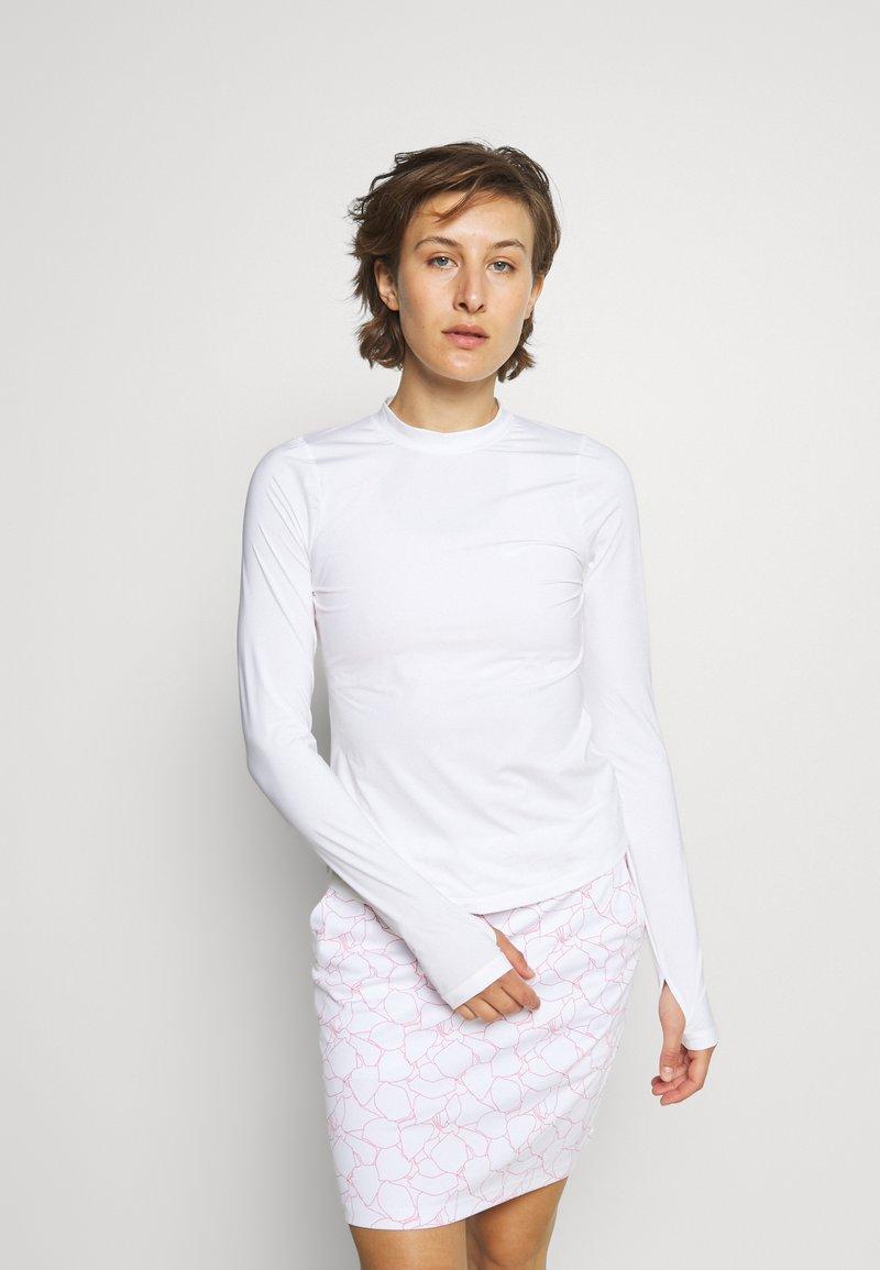 Nike Golf - DRY FIT VICTORY CREW - Sports shirt - white/black