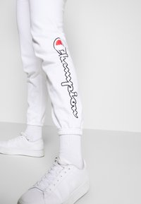 Champion Rochester - ELASTIC CUFF PANTS - Pantalones deportivos - white - 3