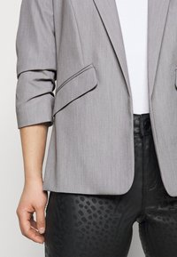 Dorothy Perkins Petite - ROUCHED SLEEVE - Blazer - dark grey - 5
