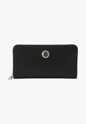 CORE LARGE - Wallet - black