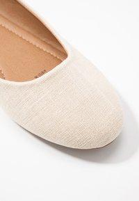 Rubi Shoes by Cotton On - BRITT BALLET - Ballerina - oat - 2