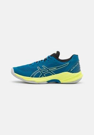 GEL-SKY ELITE UNISEX - Volleyball shoes - deep sea teal/glow yellow