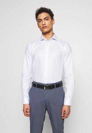 PANKO SLIM FIT - Formální košile - light blue
