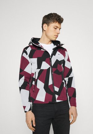 LIGHTWEIGHT HOODED PRINT JACKET - Summer jacket - dazzle rouge