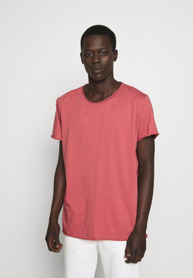 Basic T-shirt - pink cedar