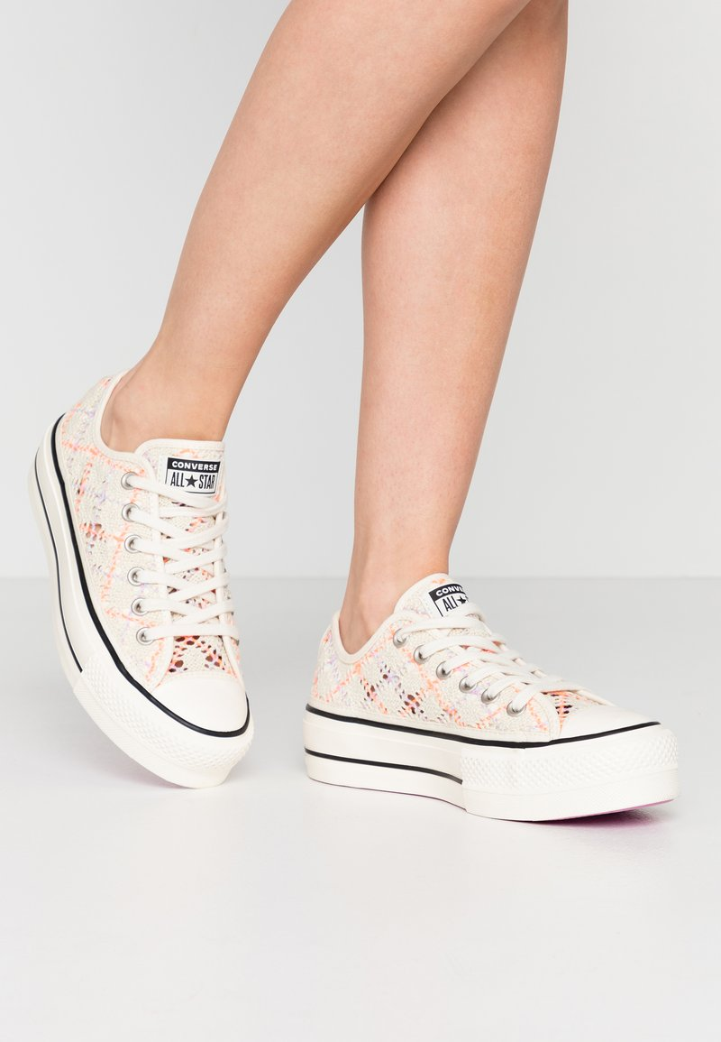 Converse - CHUCK TAYLOR ALL STAR LIFT - Baskets basses - colorway