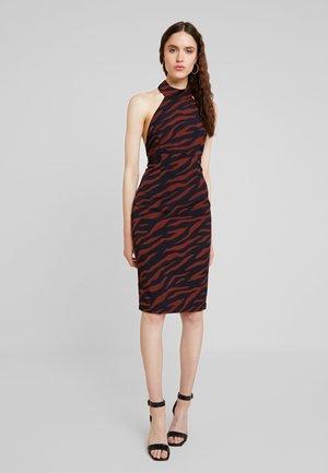 SAMMIE HALTER DRESS - Koktejlové šaty/ šaty na párty - brown