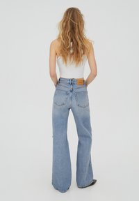 PULL&BEAR - Flared Jeans - blue - 2