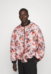 Henrik Vibskov - TAPE BOMBER - Bomber Jacket - bubble dancers - 0