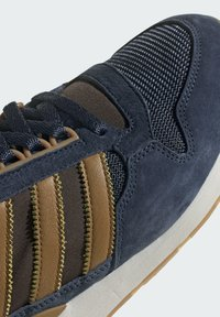 adidas Originals - ZX 500 UNISEX - Tenisky - crew navy mesa brown - 8