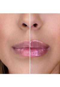 Too Faced - LIP INJECTION MAXIMUM PLUMP - Lip plumper - maximum plump - 4