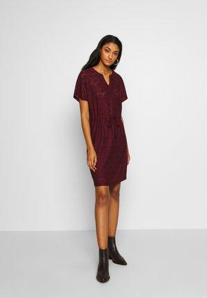 JDYTAG BELT DRESS - Strikket kjole - port royale