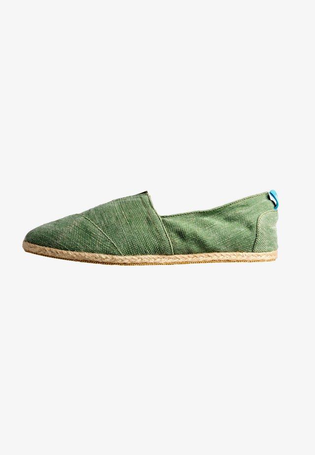 WHELK - Espadrilles - green