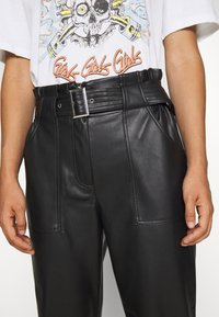 ONLY - ONLBRIONY DIONNE PANT - Trousers - black - 4