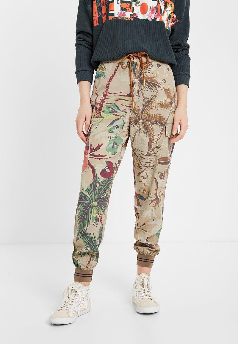 Desigual - Teplákové kalhoty - brown