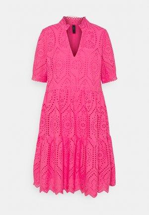 YASHOLI DRESS  - Sukienka letnia - fandango pink