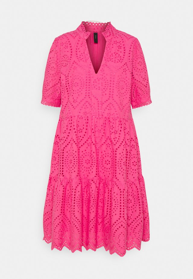 YASHOLI DRESS  - Day dress - fandango pink