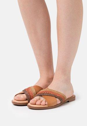 MARIA - Pantofle - marron/marsala/beige/multicolor