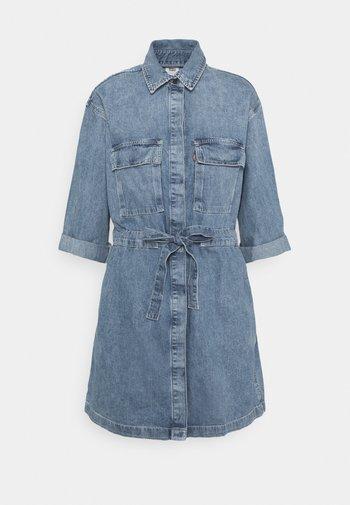 AINSLEY UTILITY DENIM - Denim dress - blue denim