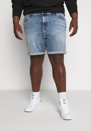 REGULAR SHORT - Denim shorts - light blue