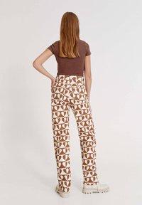 PULL&BEAR - BETTY BOOP  - Print T-shirt - brown - 2