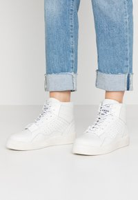 Toral - Sneakers alte - gesso - 0