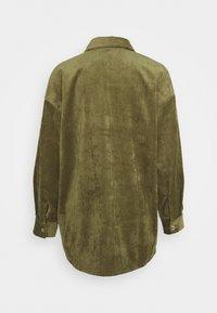 Vero Moda - VMYVONNE - Skjorte - ivy green - 1