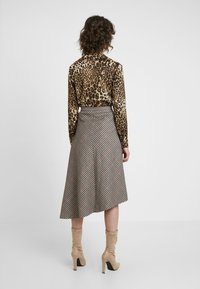 Soyaconcept - BAYAN - Maxi skirt - black - 2