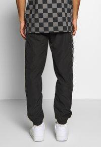 New Era - CONTEMPORARY JOGGER - Club wear - black - 2