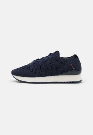 BEVINDA - Sneakers - marine