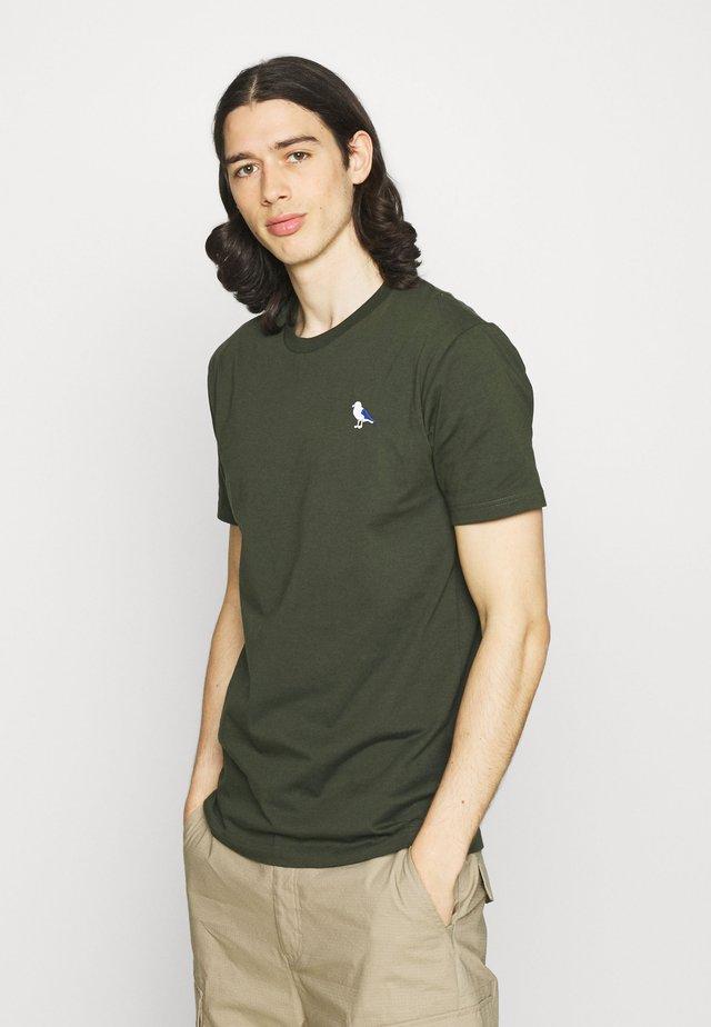 EMBRO GULL - T-shirt basic - scarab green