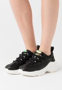 ONLY SHOES - ONLSIMBA CHUNKY - Trainers - black - 0