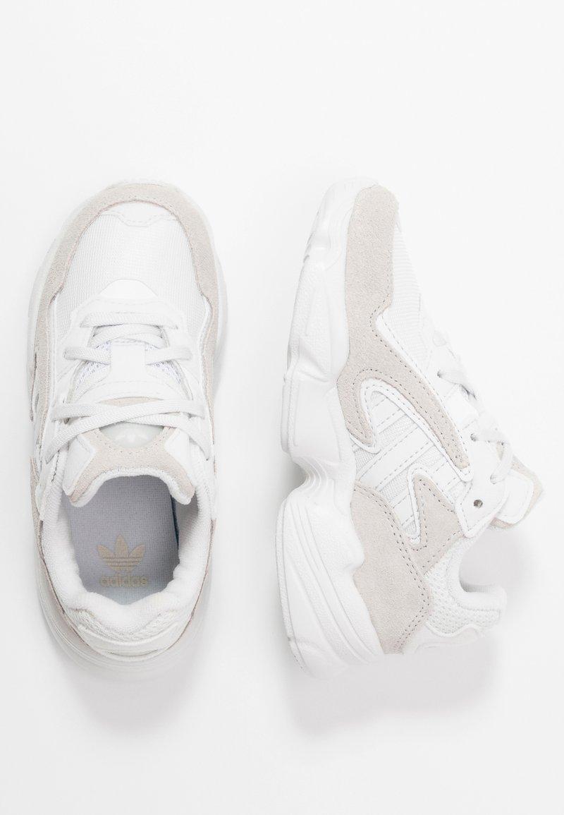 adidas Originals - YUNG-96 CHASM - Sneakers basse - crystal white/footwear white